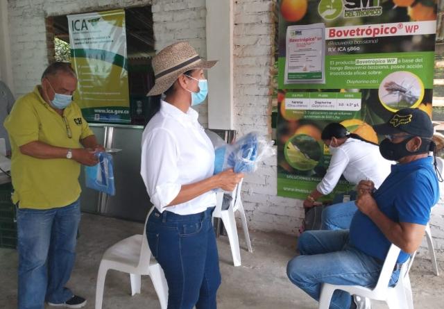 Foto-ICA-Entrega-de-bioinsumos-en-el-Valle-del-Cauca-4.jpg